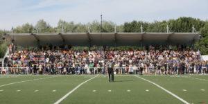 La tribune du Stade du Grand Marais pleine à craquer !